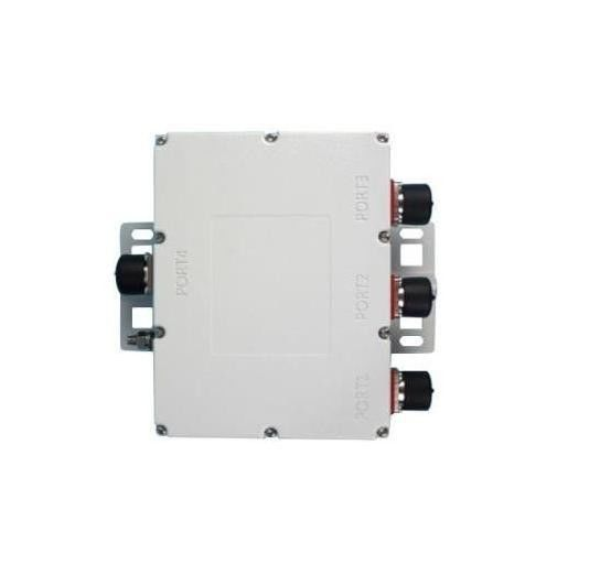 Outdoor Triple Band Combiner PIM 160dBc Low Insertion DIN Connector 50dB Isolation